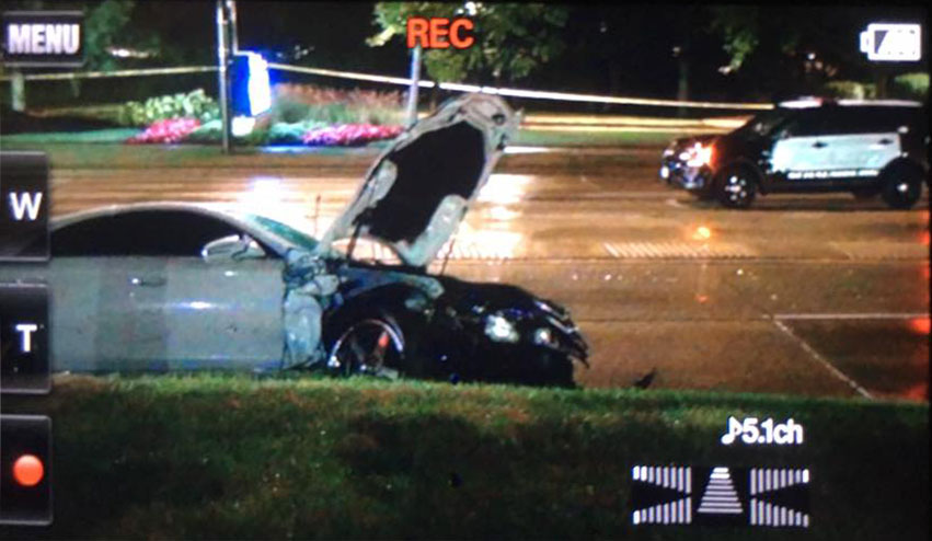 Mercedes Crash Schaumburg involved in crash Schaumburg Road